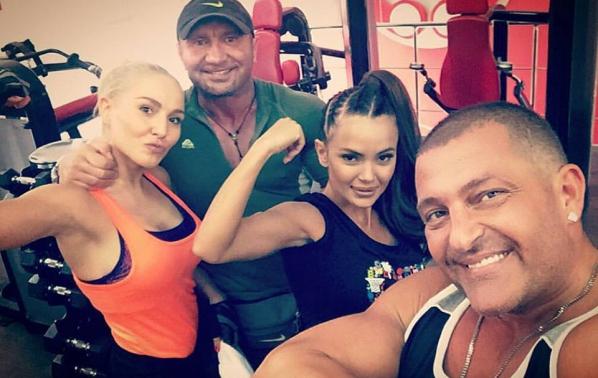 Елена Паришева и Мария заедно на фитнес