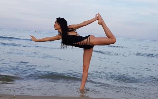 Ашли показа страхотно тяло от плажа
