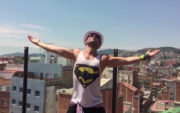 Крум подготвя екзотичен клип, показа кадри от Испания