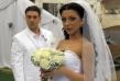 Емануела превърна в истинска атракция връзката си с Никола. Двамата се ожениха в телевизионен ефир и също толкова помпозно се разделиха след няколко месеца