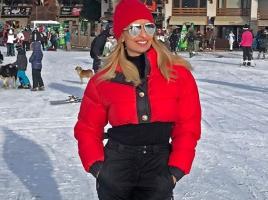 Малина показа внучето си за първи път от ски пистата