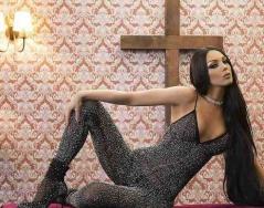 """""""Нотариално заверен"""" - новият сингъл от Емануела"""