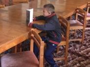 Емилия показа на сина си своето училище