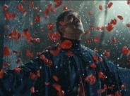 """Веселин Маринов заложи на високобюджетен клип към """"Сняг"""""""