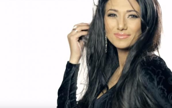 Зоя Мутишева: Изминах дълъг път, за да стигна до първата си песен