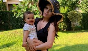 Преслава запозна публиката с дъщеричката си Паола