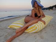 Малина върна лятото със секси снимки