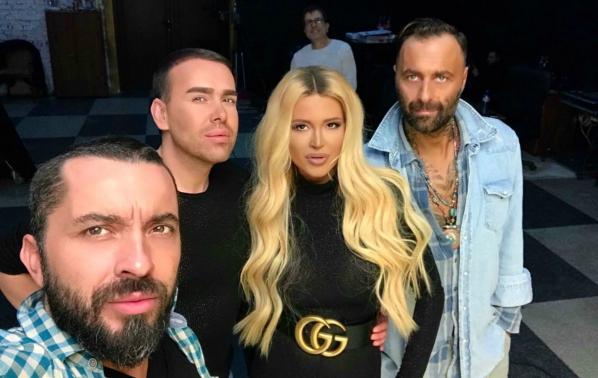 Ваня и Дамян се обясняват в любов с нова песен