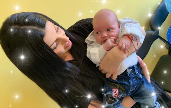Дебора показа първородния си син Самуил